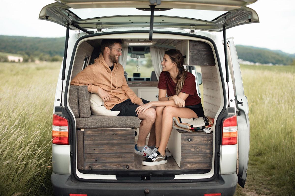 vw t5 valinfe, Bulli.Wilma: Unterwegs im individuell ausgebauten VW T5