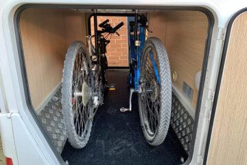 """wohnmobil fahrradhalter garage, Ordnung in der Heckgarage: Fahrradhalter """"bike-holder"""" einbauen"""