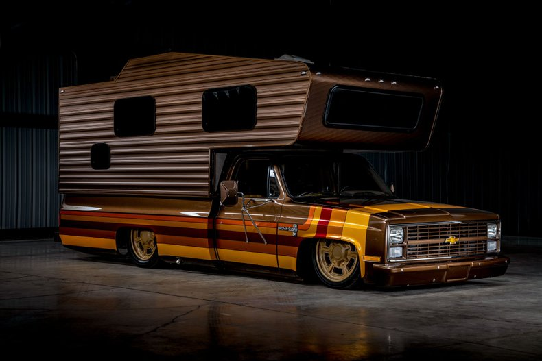 ", Slammed for Camping: Chevy Camper ""Brown Sugar"" wird versteigert"