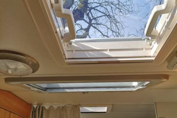 , Es werde Licht: Neue Dachfenster beim Wohnmobil nachrüsten