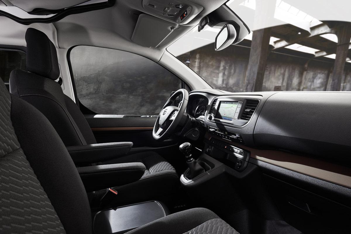 Toyota Proace Camper, CROSSCAMP:  Alternative zu VW California auf Basis Toyota Proace