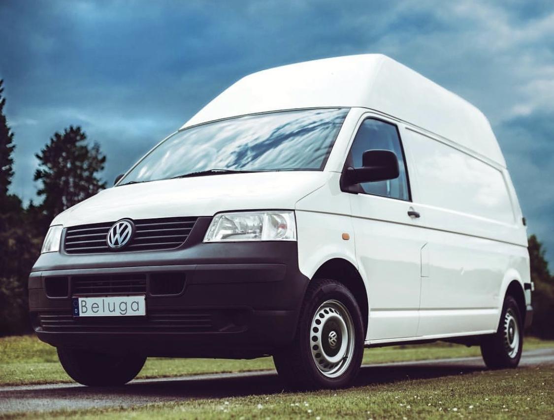 """, VW T5 """"Beluga"""": Selbst ausgebauter, urgemütlicher Transporter"""