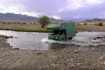 Mitsubishi L300 Wohnmobil, Video: 9 Monate. 12 Länder. 30.000 km – Unterwegs mit Mr. Pink