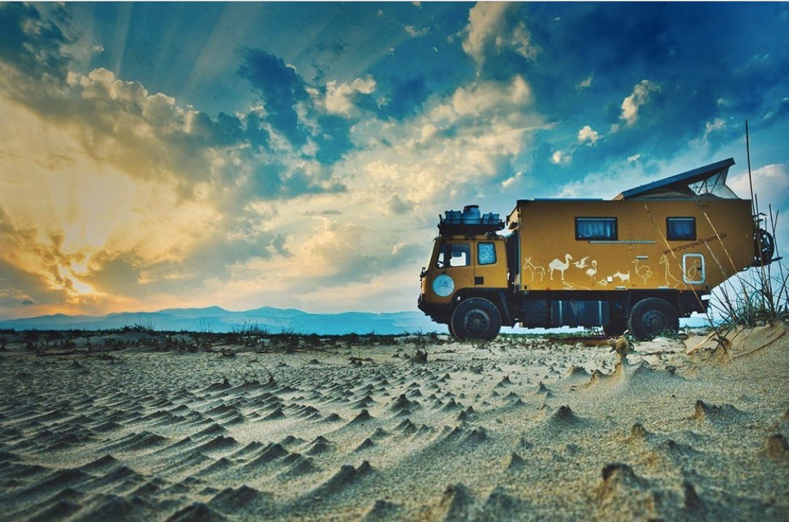 , Im selbst ausgebauten LKW auf Weltreise: Interview mit Angi und André