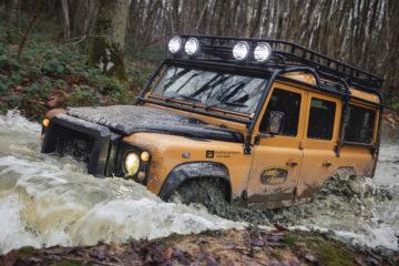 Land Rover Defender Works V8 Trophy, Land Rover Defender Works V8 Trophy: Dachzelt drauf und ab dafür