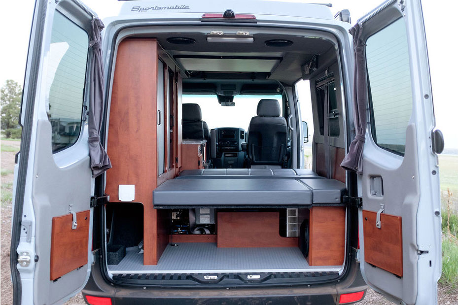 Mercedes-Sprinter 4x4 Camper, Allroad-Camper: 4×4 Mercedes Sprinter von Sportsmobile
