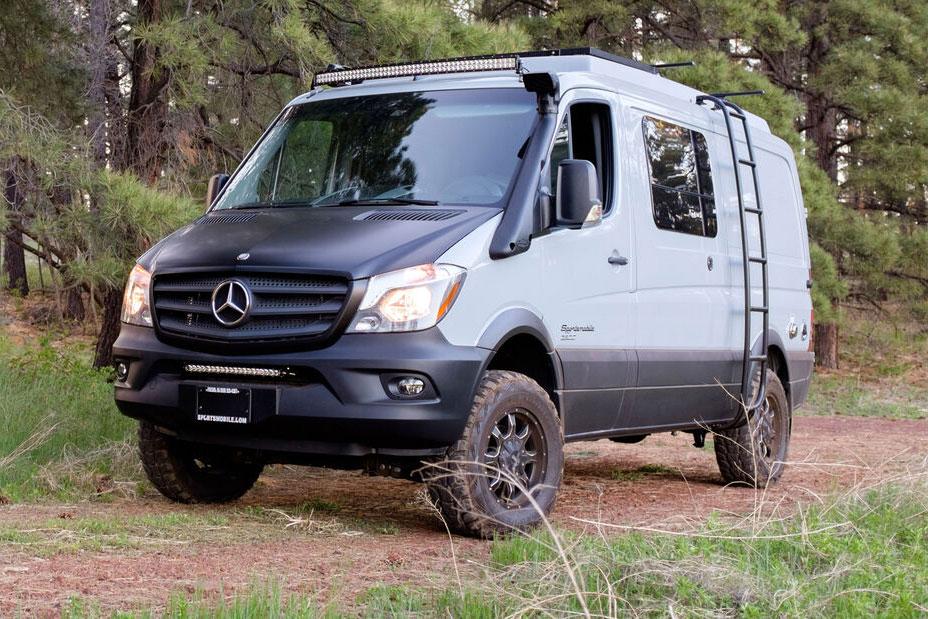 Mercedes-Sprinter 4x4 Camper, Allroad-Camper: 4×4 Mercedes Sprinter von Sportsmobile